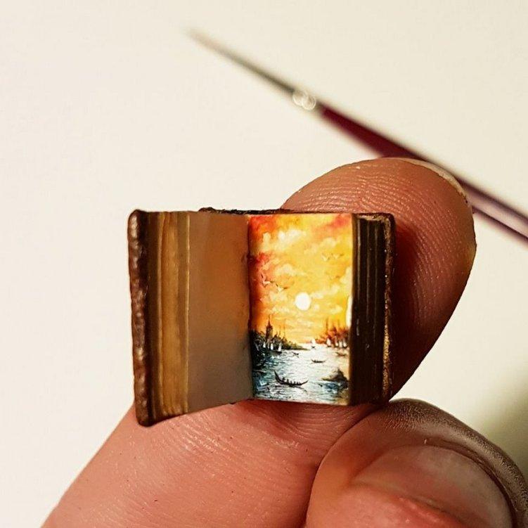 26-artwork-in-tiny-book