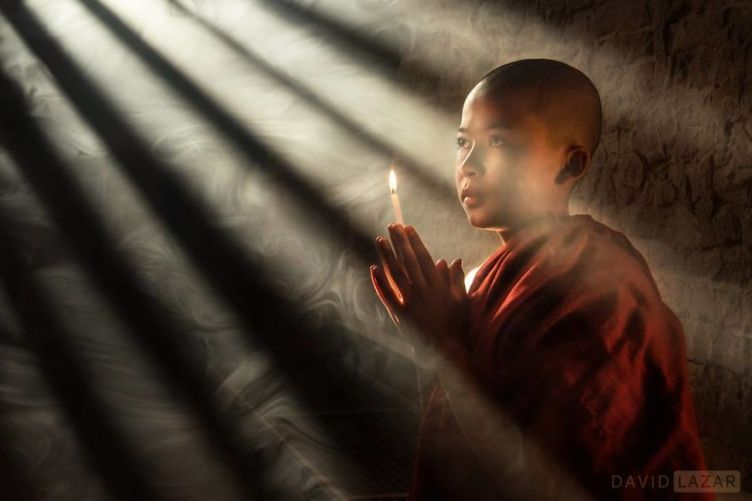 6-monk-in-rays-of-light-novice-monk-in-bagan