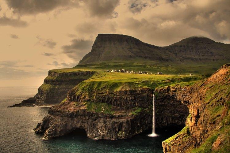 4-gasadalur-faroe-islands
