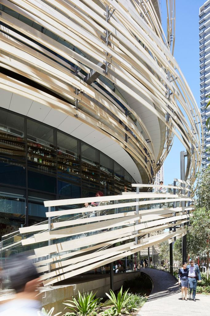 "Giant Wooden ""Nest"" Around a Building in Sydney"