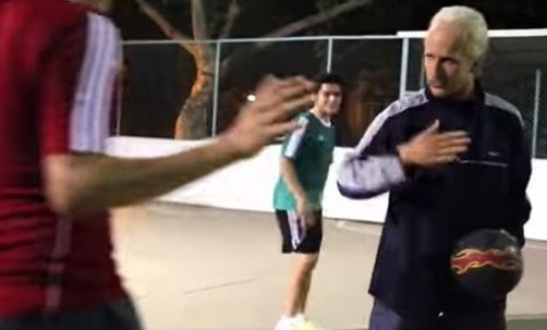 Sean Garnier Poses as Old Man  ViralSlot