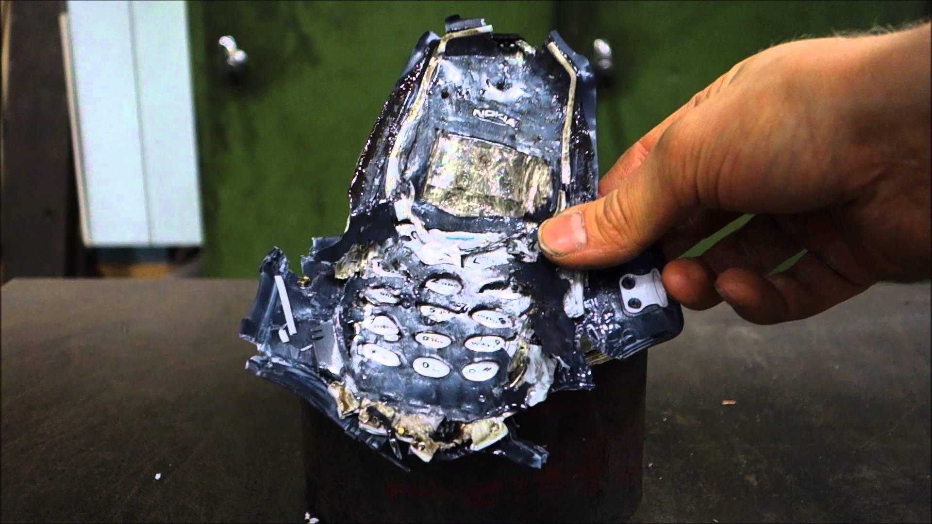 Cell Phone Fall Wallpaper Crushing Nokia 3310 With A Hydraulic Press Viral Viral