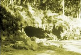 Gruta em Tre Fontane onde a Virgem da Revelação Se manifestou às trê