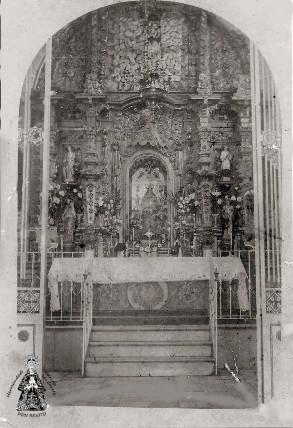 Retablo antiguo Cruces s.XX