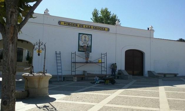 2016-08-24 Colocación Retablo cerámico Ermita