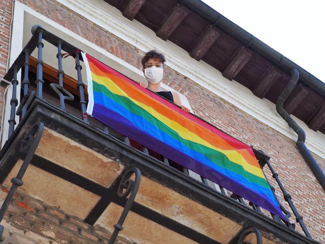 fotografía de colgadura arcoíris