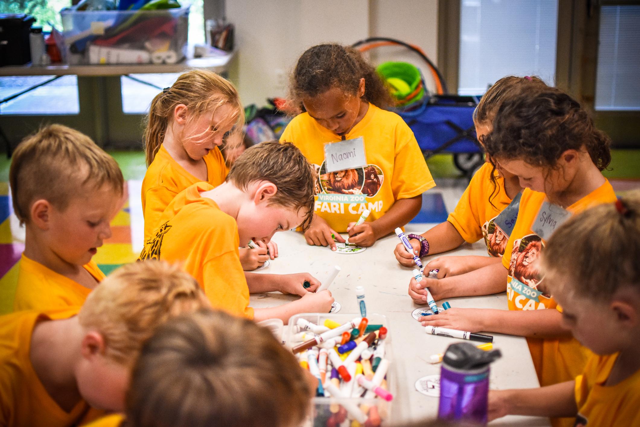 children color during safari camp