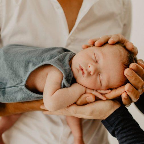 Séance naissance-Virginie M. Photos-studio-photos-famille-photographe-Nord-Lille-Croix-bébé-photographie-portrait-naissance (28)