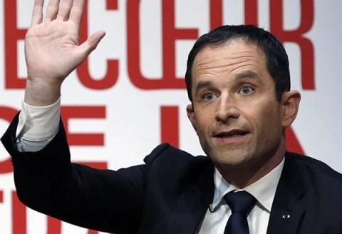 Hamon vince a sorpresa le primarie della sinistra in Francia: sarà ballottaggio con Valls