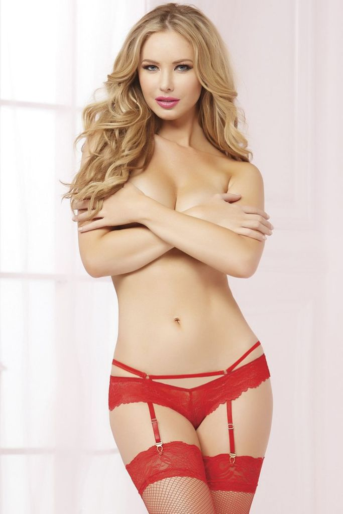 Playboy's Tiffany Toth Drops in For a Little One on One