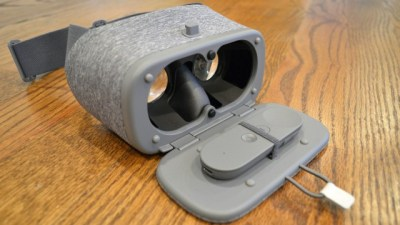 Крепление джойстика в VR шлеме Daydream View