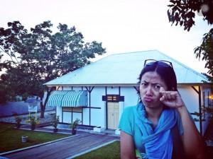 Sedih di depan rumah pengasingan Bung Karno di Ende