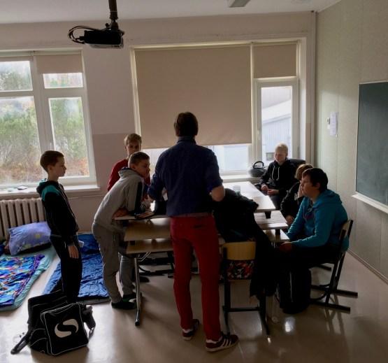 Meie külaline Hans annab noortele juhtnööre oma idee lihvimiseks