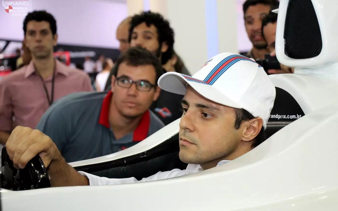 Felipe Massa Pilotando Simulador | Salão do Automóvel