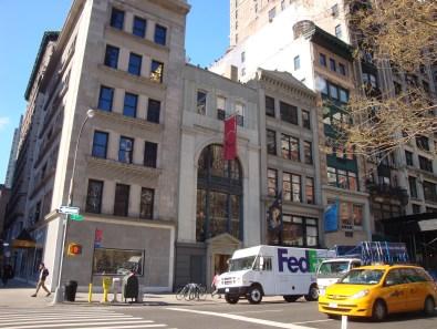 Antony Gormley Event Horizon Installation 204 Fifth Avenue (2)