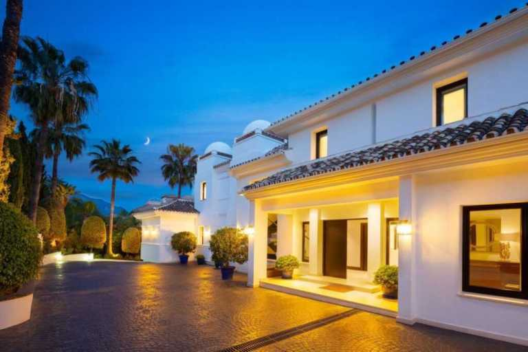 zL2LaDYg Large 1024x682 1 Virtualport3d luxury Properties in Marbella and Costa del Sol