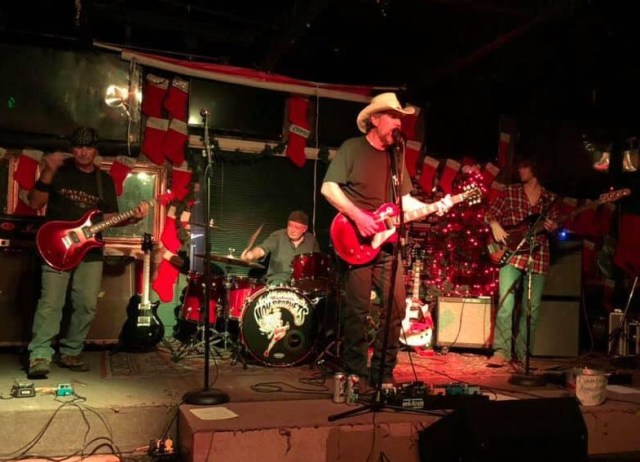 Cliff Wheeler Band – Keepin' It All In The Family