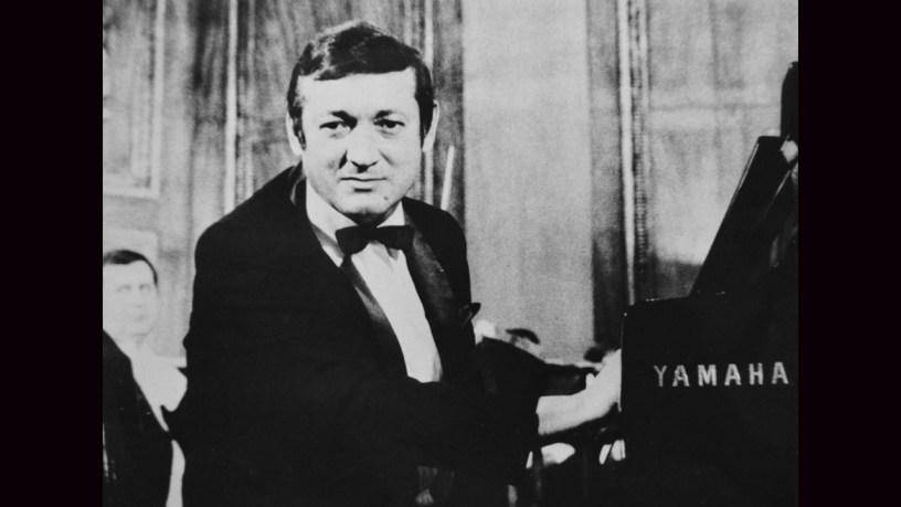 [1948] György Cziffra plays – Les Moissonneurs (Second Livre de Pièces de Clavecin) – Couperin