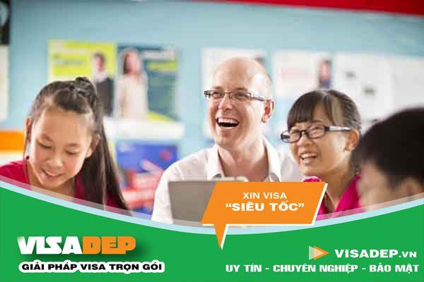 Giấy phép lao động cho giáo viên là người nước ngoài