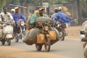 Un béninois, député à Lagos, demande la fin de la contrebande d'essence