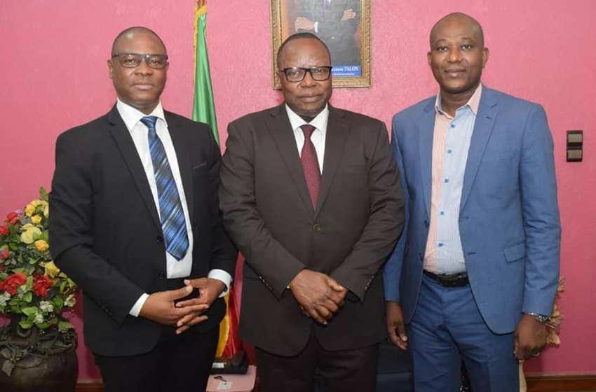 Tournée d'échanges entre le CNPA-Bénin et les Institutions de la République: Evariste HODONOU expose au président du CES, les défis de l'heure dans le secteur des médias