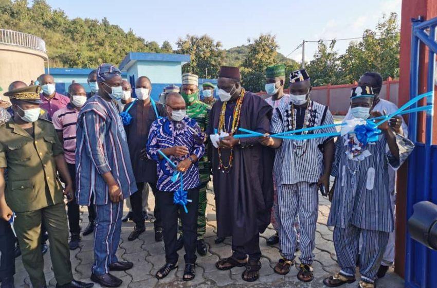 Samou Adambi inaugure des infrastructures d'eau à Savalou