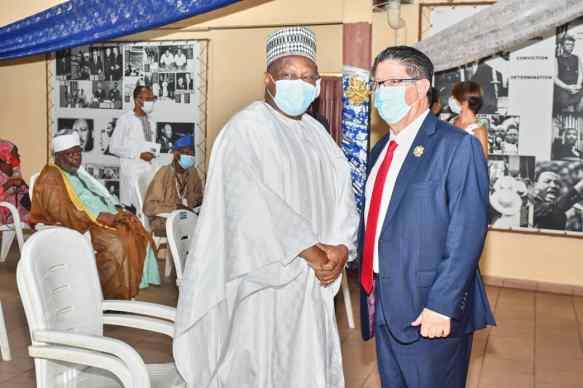 Le 2ème Vice-Président de l'Assemblée nationale Robert Gbian avec l'Ambassadeur de France près le Bénin