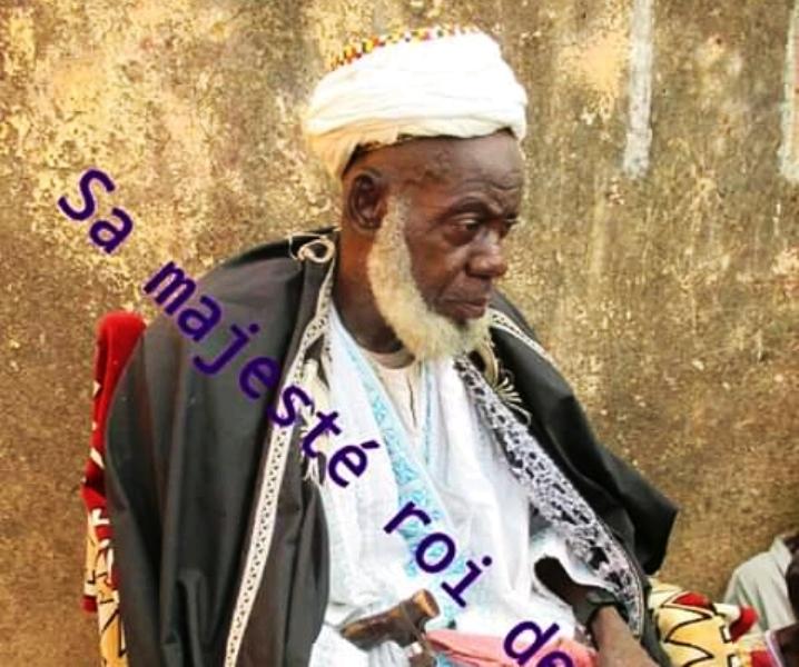 Parakou / Sa majesté Sounon Sara Doogo, roi de Tourou a tiré sa révérence