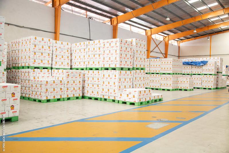 """Le Gouvernement aux côtés des entreprises locales: Le Ministre Kérékou et le Dg Apiex visitent les usines """"Matanti"""" et """"Yu Lin"""""""