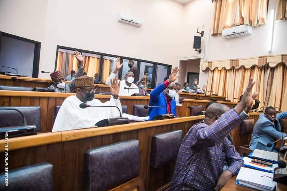 Bénin/Parlement: Les députés approuvent la hausse du Budget général de l'Etat, gestion 2021