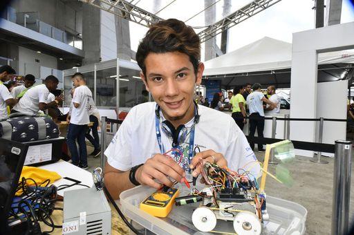 Centro Juvenil tem inscrições abertas para oficinas de tecnologia