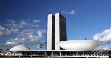 Decreto que facilita posse de armas divide opiniões na Câmara dos Deputados