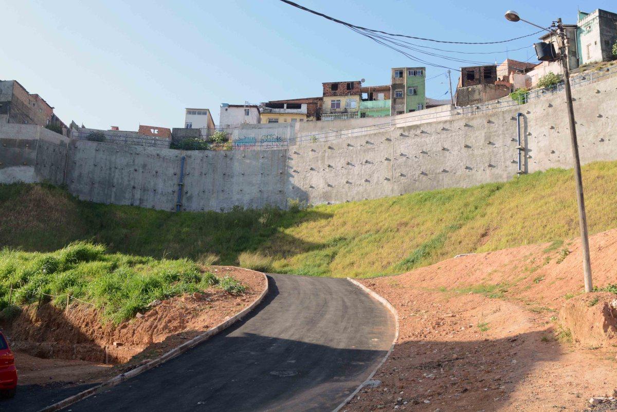 Barro Branco ganha contenção de encosta e anuncio de obras habitacionais
