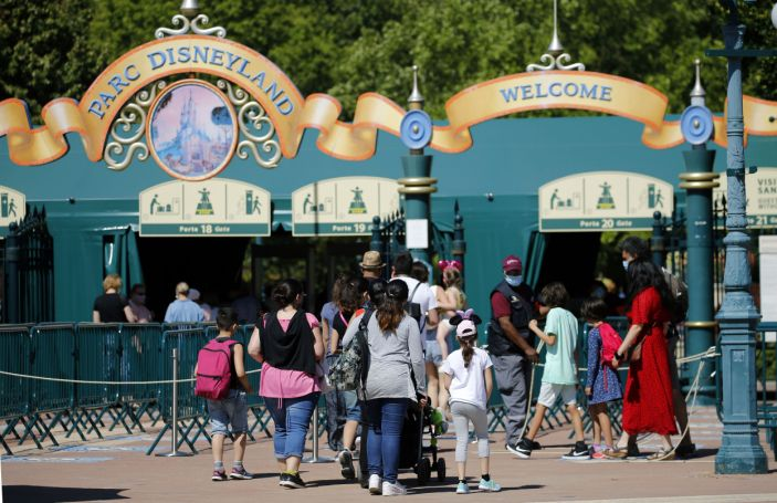 Disneyland Paris will once again invite guests to enjoy the unforgettable and magical moments that it is known for.