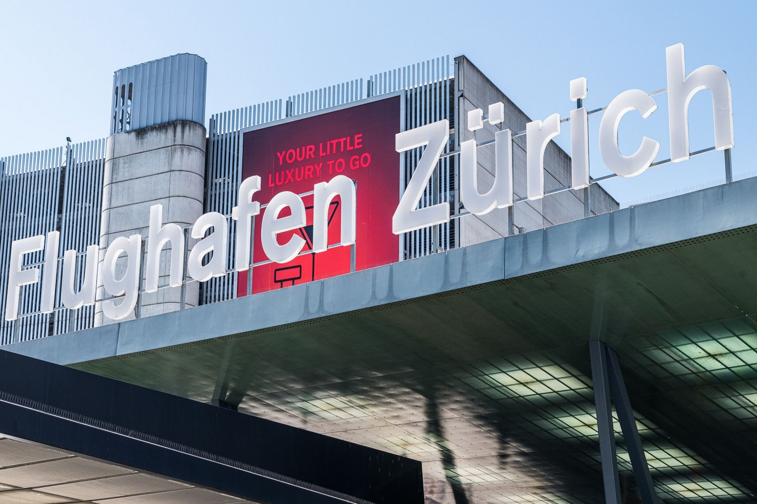 Zurich Airport has received the prestigious World Travel Award for the best airport in Europe for the 17th time in succession.