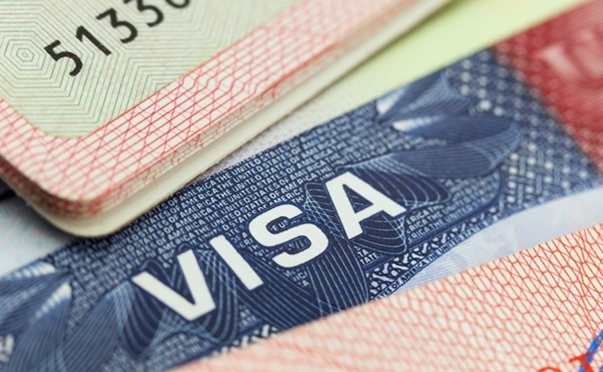 Ninety days before graduation, foreign students in the United States on F-1 visas can apply for the OPT.