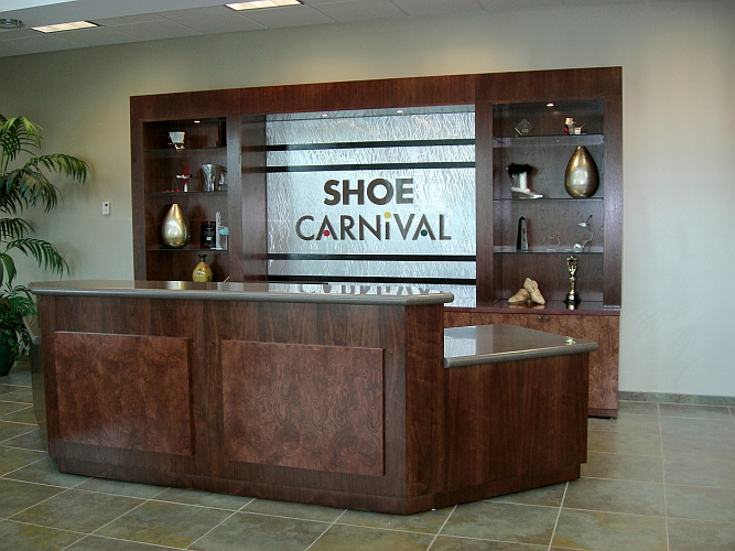 Shoe carnival main head quarters signs done by sign artist Tony Viscardi