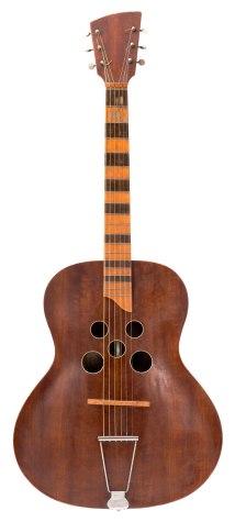 Gitar med 5 hull