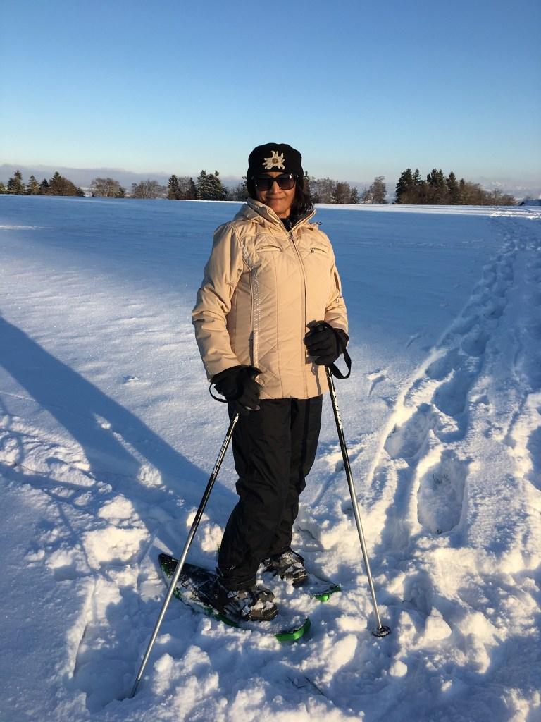 Snow shoeing in Zumikon