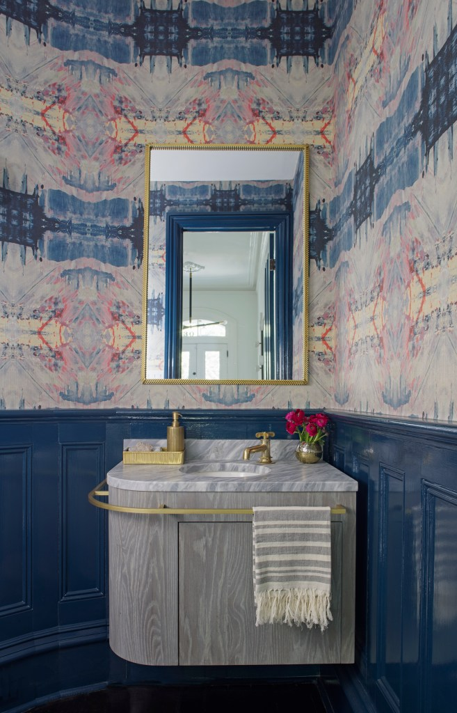 Colorful Wallpaper in a Bathroom