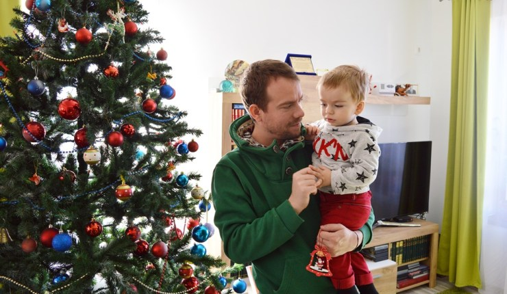 Azi, am sărbătorit, cu Thomas, primul nostru Crăciun acasă.