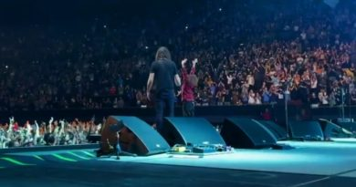 nandi bushell dave grohl show foo fighters Vision Art NEWS
