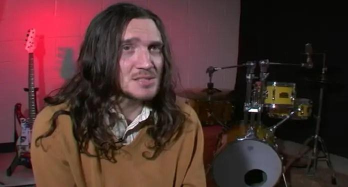 John Frusciante fala sobre Nevermind do Nirvana Vision Art NEWS