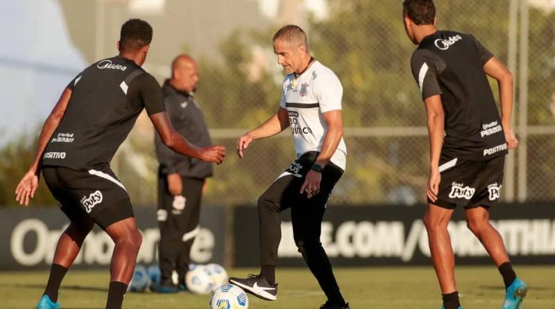 Corinthians busca reação e pega Internacional com Sylvinho sob pressão – 23/10/2021 – Esporte