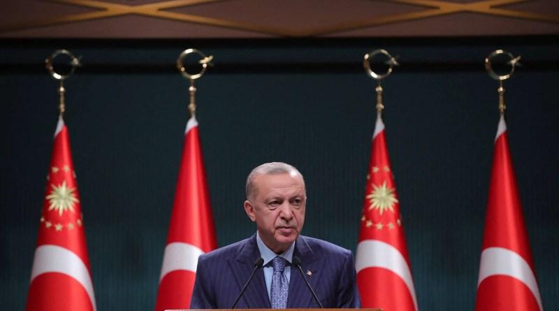 Turquia desiste de expulsar embaixadores após diplomatas recuarem em comunicado – 25/10/2021 – Mundo