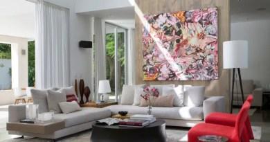 2 pe direito alto arte e muito espaco aberto confira esta casa de 705 m Vision Art NEWS