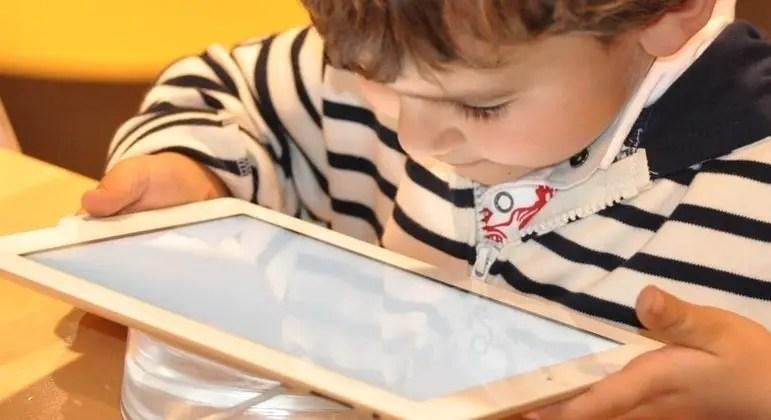 Uso excessivo de telas rouba horas de sono de crianças e adolescentes – Notícias