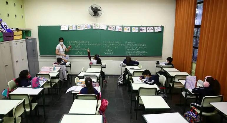 Educação SP entrega mais de 117 mil cadernos para professores – Notícias