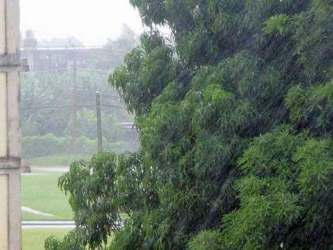 Llueve en Holguín. Foto compartida por Hirán Ricardo.