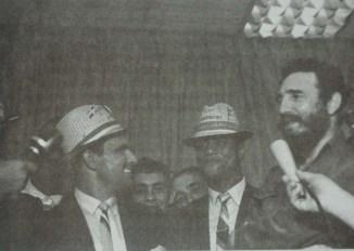 Fidel Castro Ruz, recibe al equipo de béisbol cubano, campeón de la XVII Serie Mundial de Béisbol Amateur, celebrado en Santo Domingo. La Habana, 27 de agosto de 1969